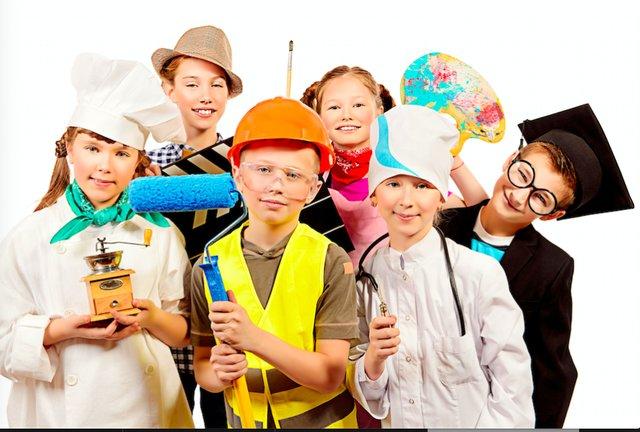 KidsInCostumepic-web.png
